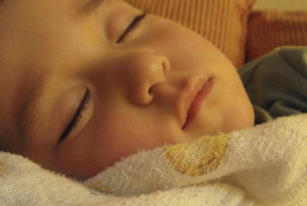 Enuresis: ¿hasta qué edad es normal que los niños mojen la cama?