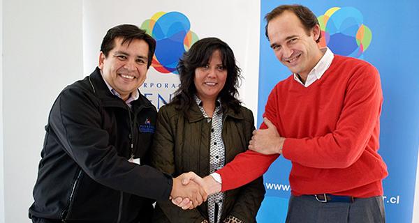 Corporación MATER y Municipalidad de Pudahuel firman convenio