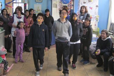 Thumbnail - Voluntarias MATER celebran Fiestas Patrias con nuestros pacientes