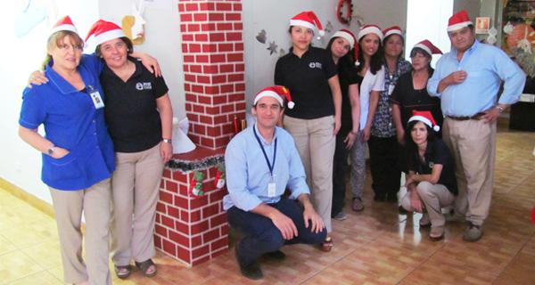 Colaboradores decoran Centro de Diagnóstico en Navidad